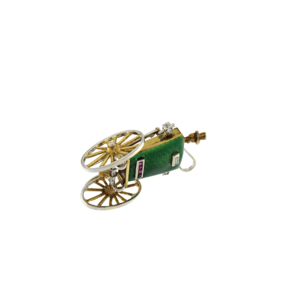 Fine carriage-shaped brooch