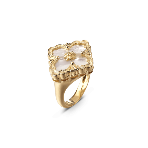 Opera Ring