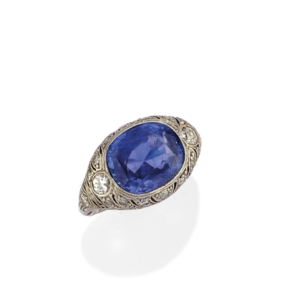Antique ring – Platinum and Sapphire