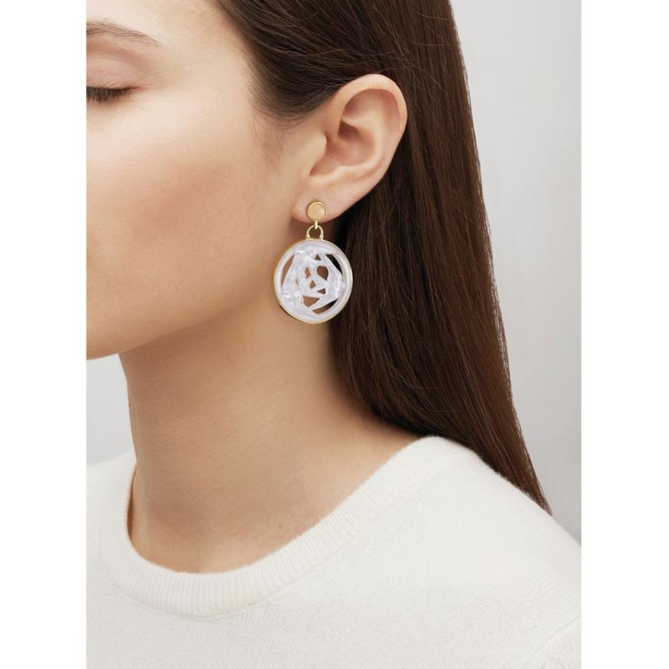 Trois Hirondelles Earrings Lalique